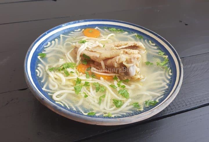 Supă de găină