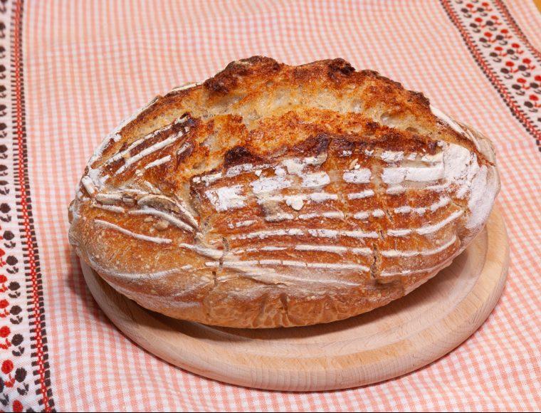 paine cu maia naturala coapta in yena