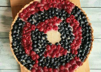 tarta mare cu vanilie si fructe