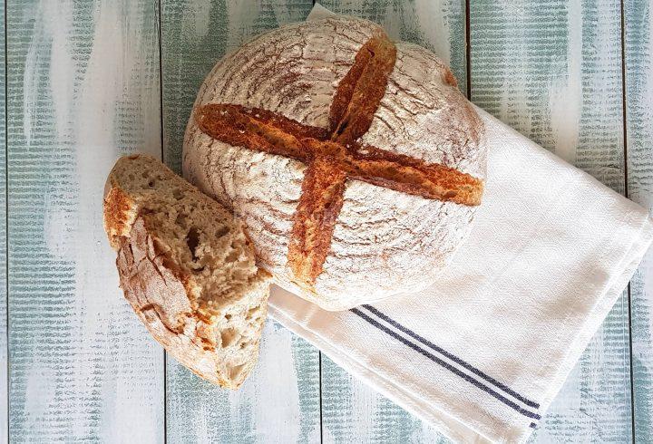 Pâine cu maia naturală (sălbatică), fără drojdie